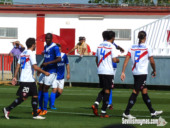 Un implacable Melilla aplaza las celebraciones del playoff (0-4)